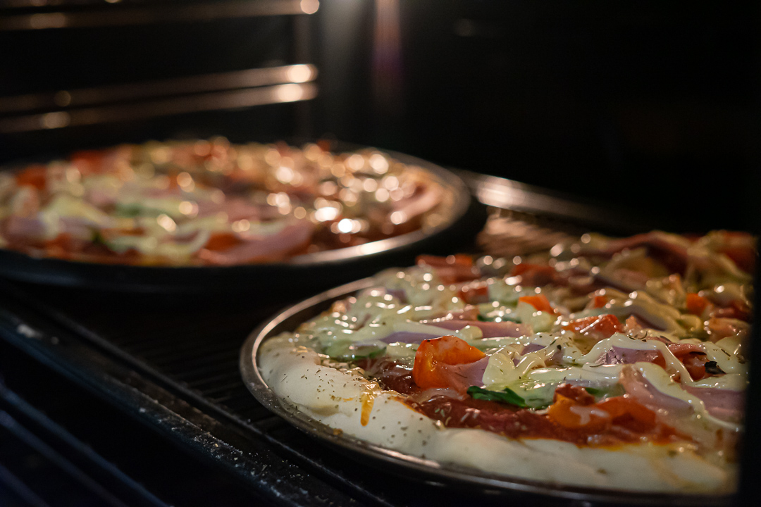 cooking-pizza