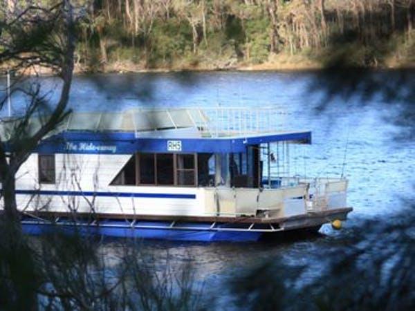 houseboat holidays